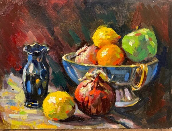 vase and bowl of fruit